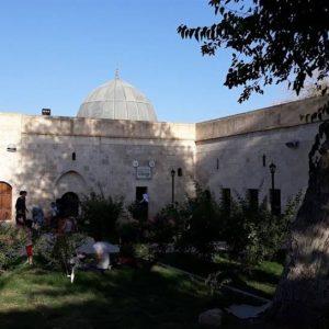 Zeynel-Abidin-Turbe-Girisi-Nusaybin